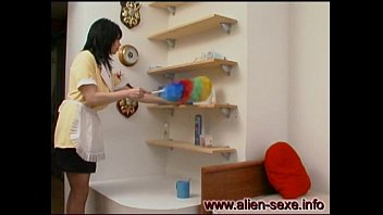 MILF Housekeeper no panty upskirt while cleaning the house ! enjoy upskirt!